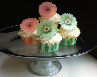 The Original EDIBLE Gerbera Daisies - Peach and Light Green - Cake & Cupcake toppers - Food Decorations