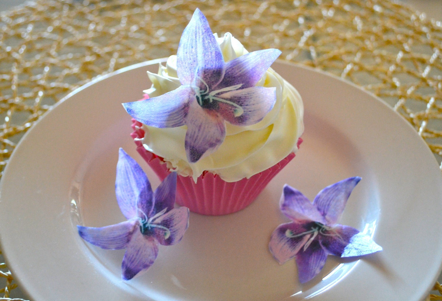 Edible Flowers For Cake Decorating : Edible Lily Flower - Purple set of 12 Cake & Cupcake ...