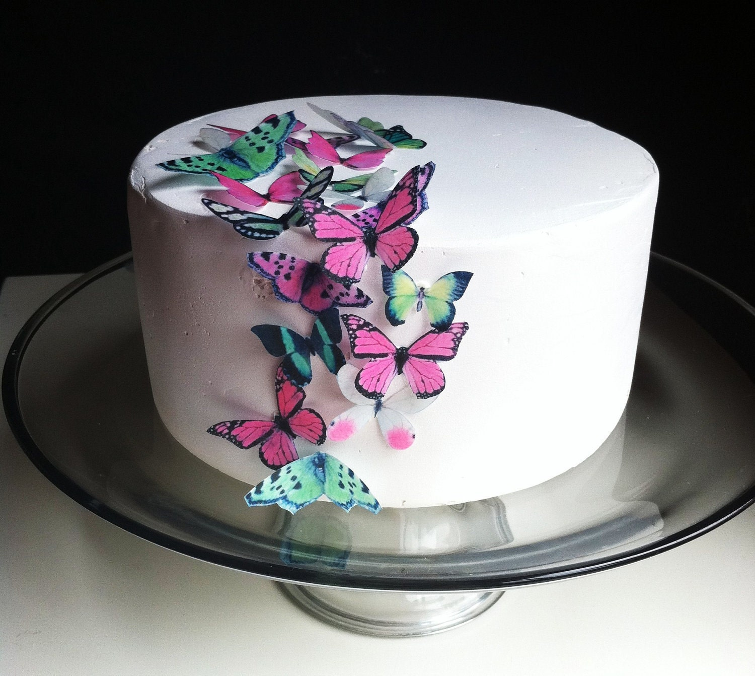 Cake Decoration Butterfly : EDIBLE Butterfly Cake Decorations 24 Green and Pink Edible