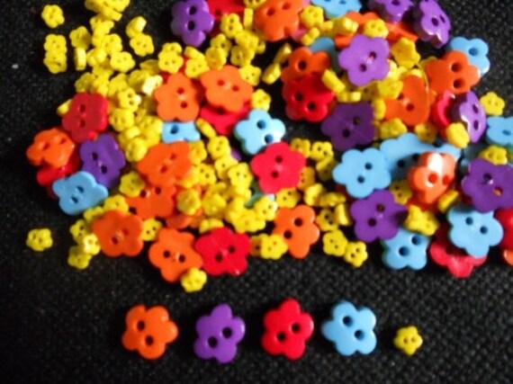 100 pcs - Fancy  Flower Tiny buttons - Size 10 & 4 mm