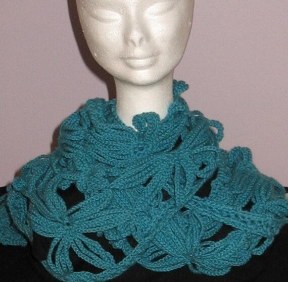 Crochet PATTERN - Stunning Daisy Flower Scarf