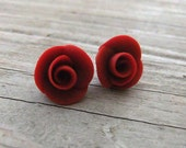 Rosebud Earrings Wine