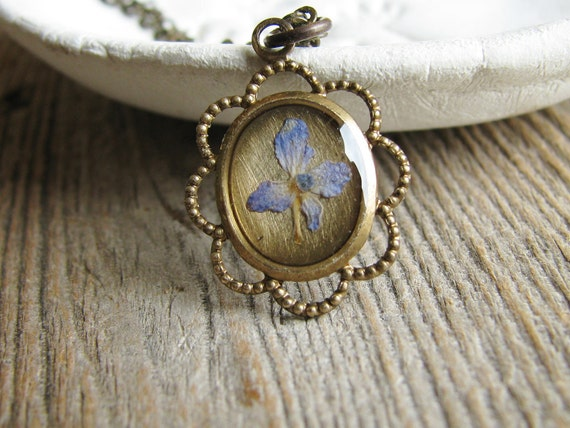 Pressed Hydrangea Necklace Flower Botanical Jewelry Preserved Plant  Nature Inspired Mini Bezel Resin Pendant