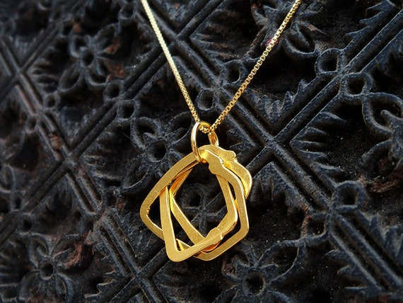 Gold Necklace - Gold Plated Necklace With a 3 Shapes Pendant