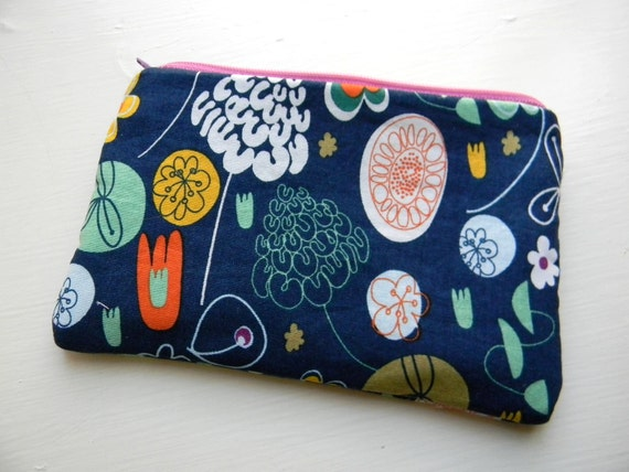 Zipper Pouch in Navy Floral Print