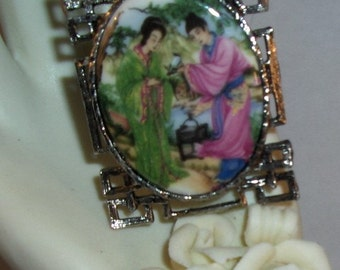 Beautiful Japanese Couple in Garden Cameo Pendant/Brooch/Necklace