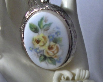 Beautiful Yellow Roses Cameo Silver  Locket Necklace