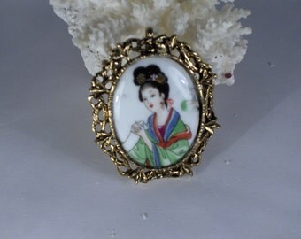 Lovely Geisha Lady Cameo Pendant/brooch/Necklace Combination