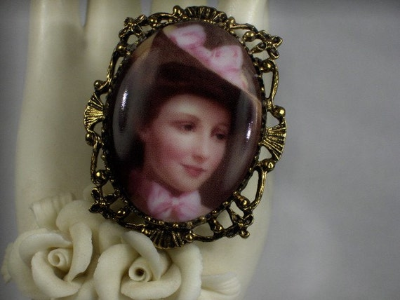 Elegant Victorian Lady in Pink Hat Cameo Pendant/Brooch/Necklace Combination