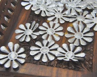 18 Metallic  SILVER  Satin Daisy Flowers Embellishement