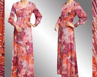 Vintage 1970s Maxi Dress - Batik Print - Hippie - Pink and Orange -  L