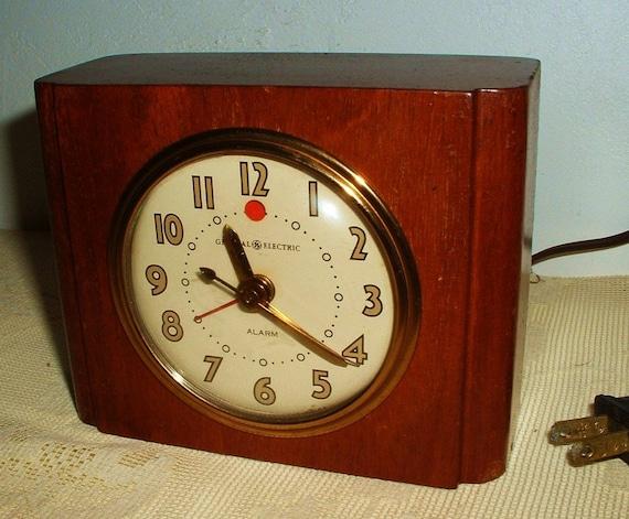 Vintage GE Wood Alarm Clock Model 7HA162