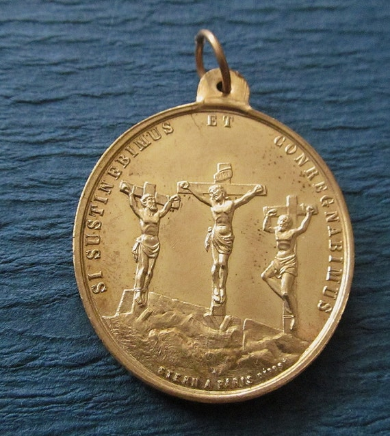 Antique Jesus Religious Medal Jesus And The Two Thieves On The Cross Catholic Pendant Jewelry  SS420