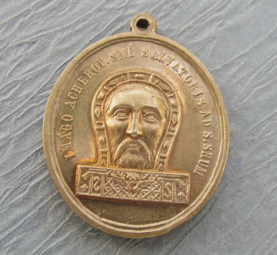 Holy Face Of Jesus Holy Stairs Antique Brass Relgious Medal  SS24
