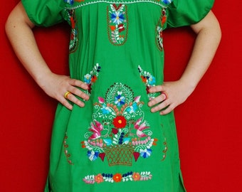 Mexican Green Mini Dress Fantastic White Embroidered Handmade Spring / Summer Medium