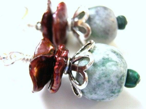 Freshwater pearl earrings, keshi pearl, jade