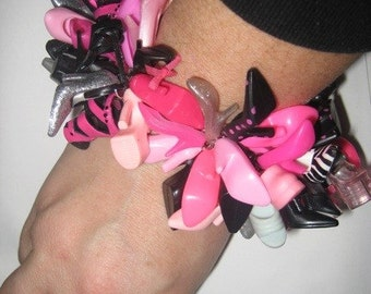 """Ultimate Barbie Doll Shoe Bracelet Girl Thing Binns Blythe FREE SHIPPING Kitsch """"Josie"""" Cuff"""