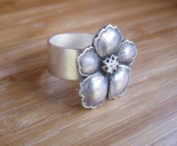 Hibiscus Flower Ring Silver - Flowered with Love- Adjustable Handmade by Marleyjanedotcom on Etsy