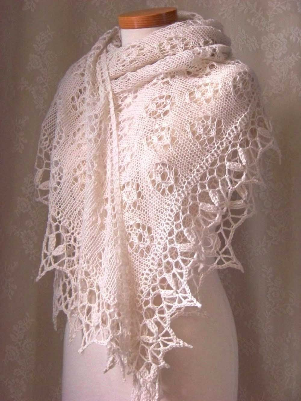 Knitting/crochet pattern Creme lace knitted shawl with