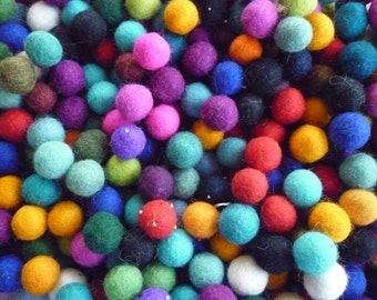Felt Balls x 50 - Mixed Colours- 2cm