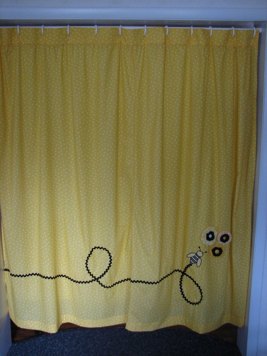 yellow polka dot shower curtain w bee. Black Bedroom Furniture Sets. Home Design Ideas