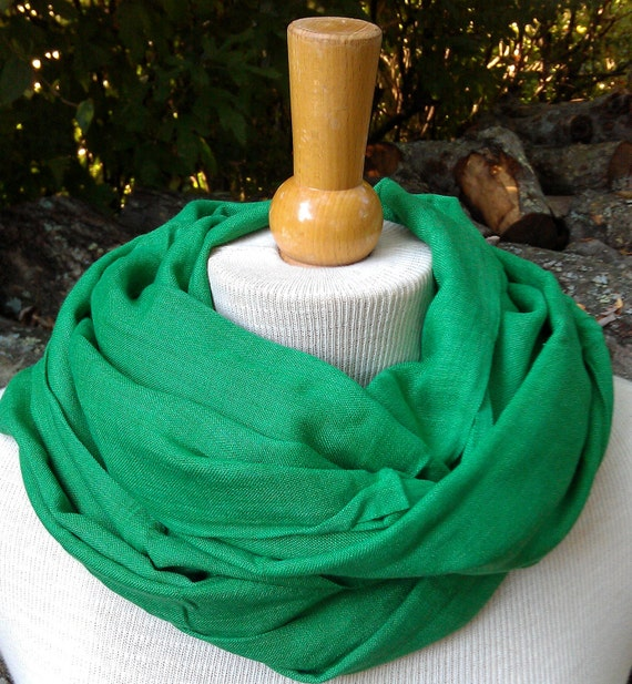 Hand woven Egyptian cotton scarf moss green