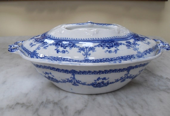 Blue On White Antique Covered Serving Bowl, Recessed Handle, Empire Works, Stoke On Trent, England