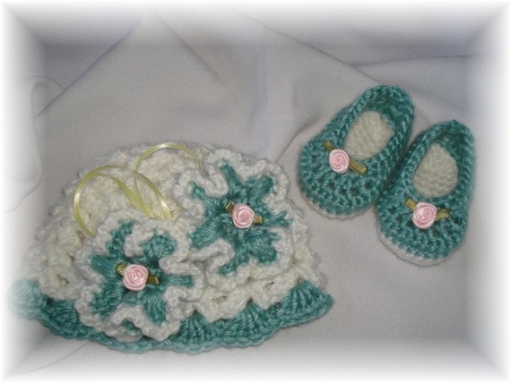 Boutique New Born Girl Crochet Hat and Booties