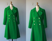green coat / 1960s coat / 60s wool bouclè coat / double breasted a-line coat - size small