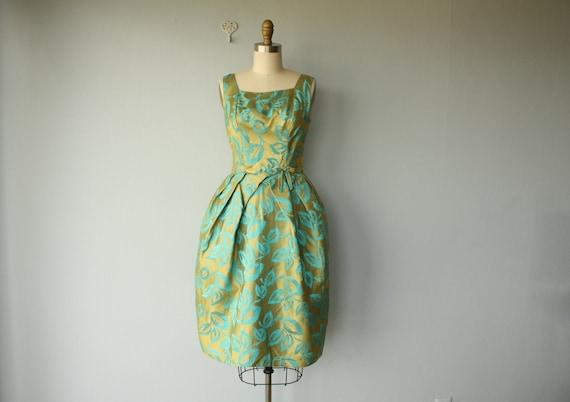 1950s dress // 50s party dress // Feather Print silk  jaquard dress