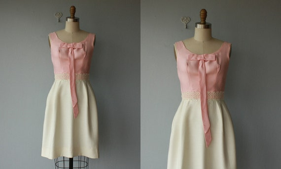 1960s dress / 60s dress / Strawberries n' Cream party dress - size small
