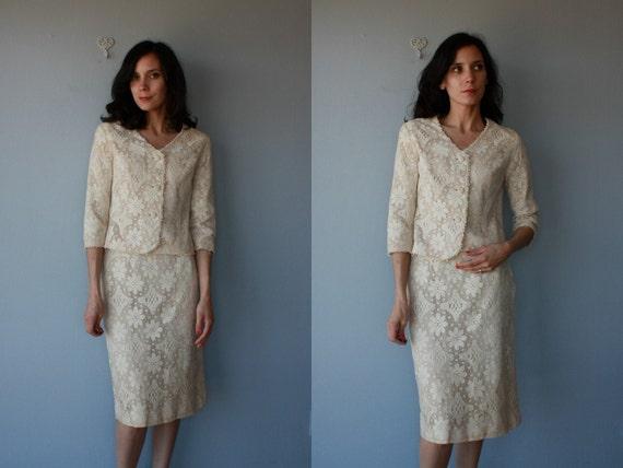 1960s skirt suit / 60s suit / Antique Lace wiggle suit - size medium , small