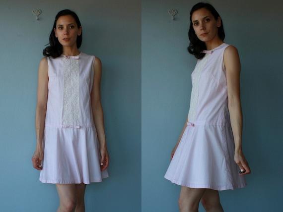 LAST CALL SALE / 1960s dress / 60s dress / pink swiss dot dress / day dress  - size small , medium