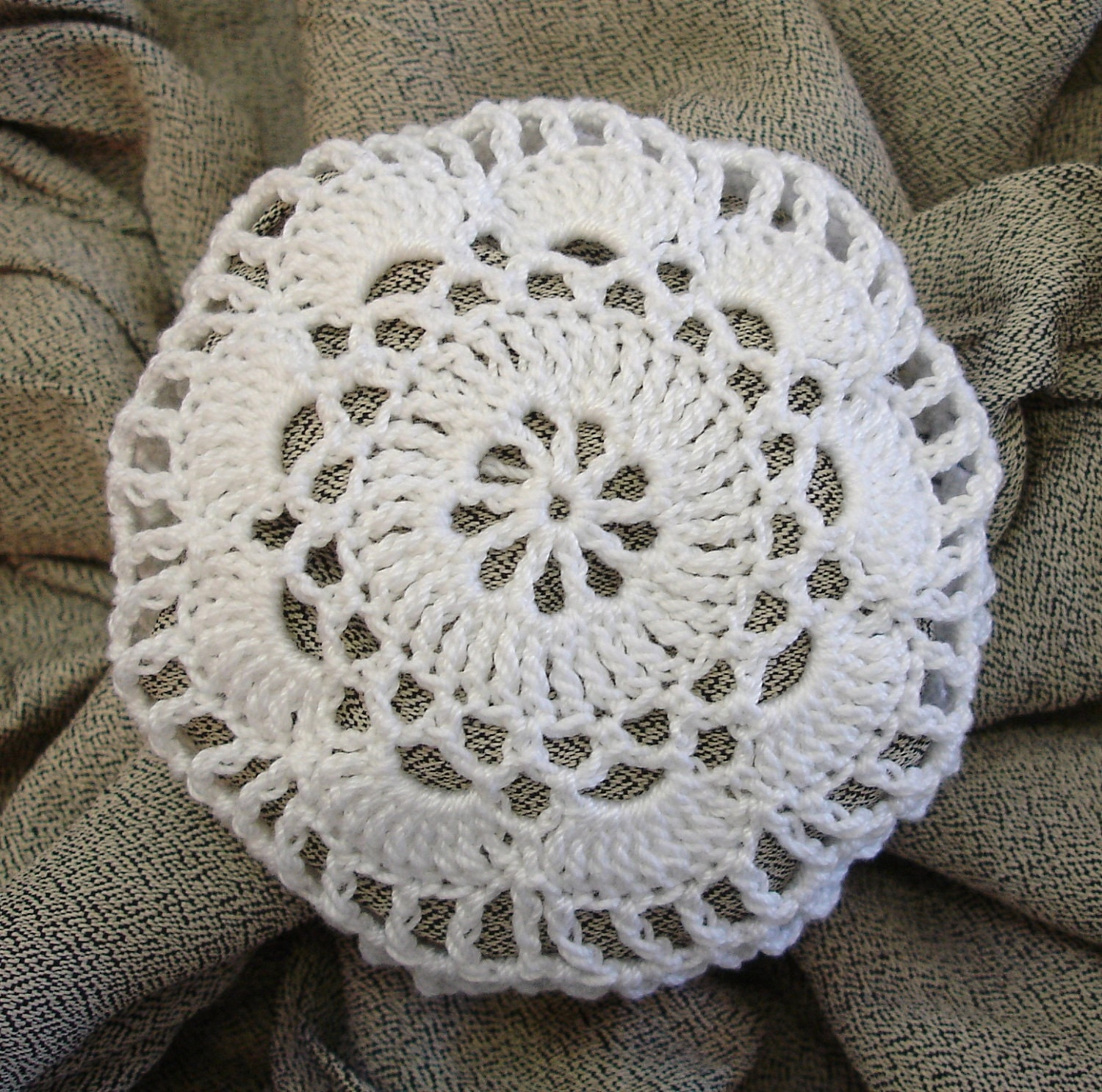 Crochet Hair Cover : Hair Net / Bun Cover Crocheted White Flower Style by mydesertdeals