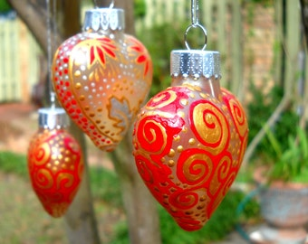 Red Heart Ornaments Hand Painted Glass Decorative Art Gift Set of Three FREE Shipping
