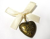 Wedding Day Memorial Locket Charm - Bronze Heart