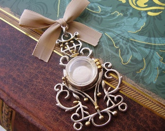 Elegant Vintage Style Round Locket Pendant - Includes One Picture Printing Service
