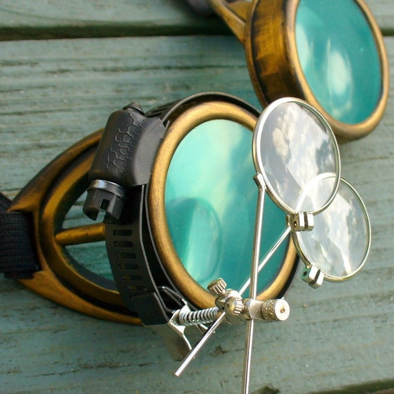 Steampunk Victorian goggles glasses pirate Time Travel Crazy Scientist's Oculo-Vision Tool---D gold green