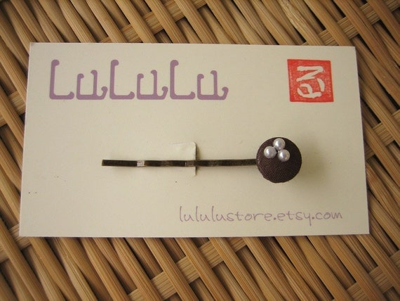 Fabric Covered Button Bobby Pin - Brown / Three Pearls