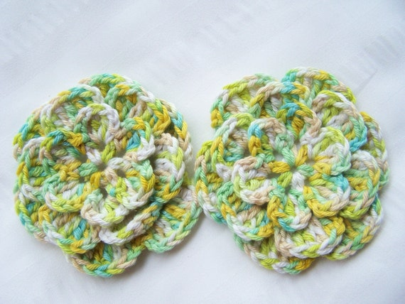 Appliques 2 crocheted flowers 3.5 inch cotton acrylic