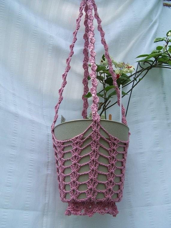 Crochet Hanging Flower Basket Pattern : Flower hanging basket med rose crocheted for flower pots plant