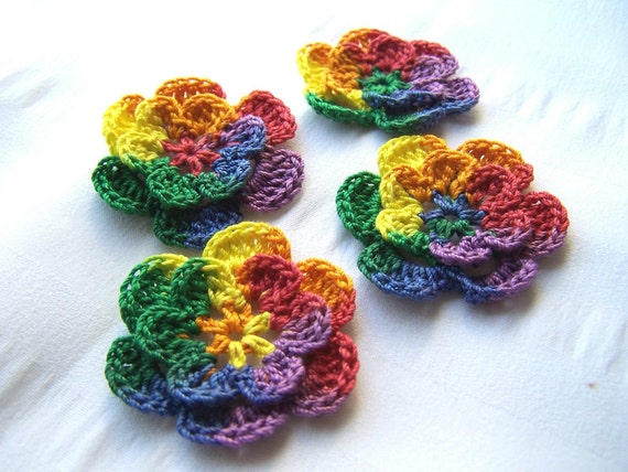 Appliques hand crocheted flowers set of 4 in mexicana  cotton 1.5 inch