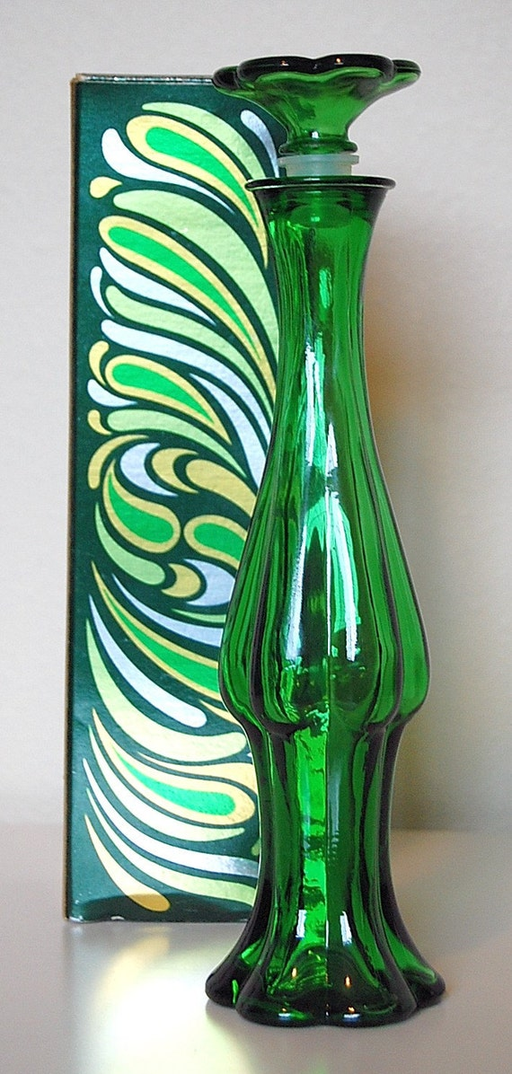 Vintage Emerald Green Glass Bud Vase By Avon By Sacklunchtime