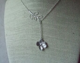 Dogwood Flower Necklace, Botanical Jewelry, Bridesmaid Gifts, Silver Jewellry
