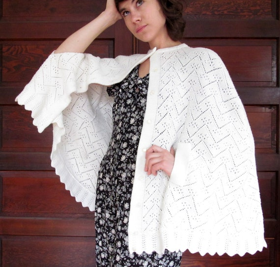 1970s IVORY LACE Knit CAPE Poncho Shawl One Size Fits All