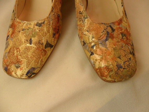 Glitter And Glam Fabric Pumps size  8.5 M 8-1/2 M Jones Of New York Clearance Sale