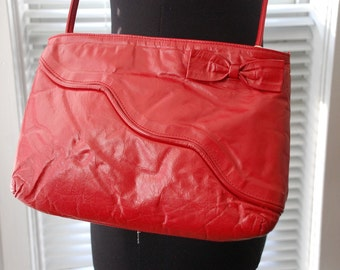 Vintage 80s Purse - Sweetheart of a Bag - Red Leather - Adjustable Skinny Strap