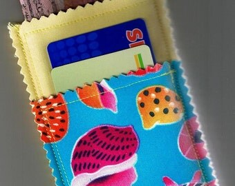 Closeout SALE Lovely Bright SEASHELLS 3 Pocket Business Card Case Stores Cash Coins And Credit Cards