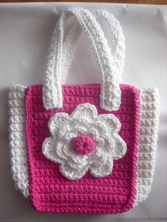 Crochet Clutch Bag Pattern : Crocheted Childs Purse with Flower