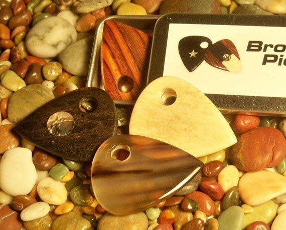 Discount -25%. Best 4 sellers. Widest tone spam with these 4. Guitar Pick/Guitar Picks.